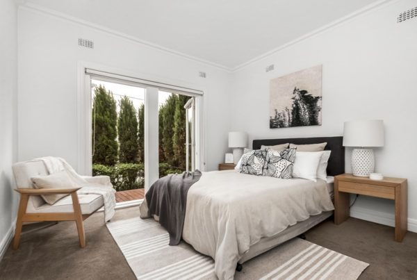 jims-interiors-home-staging-apartment-st-kilda-master-bedroom