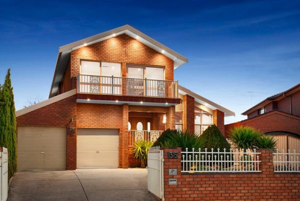 Home Satging Avondale Heights
