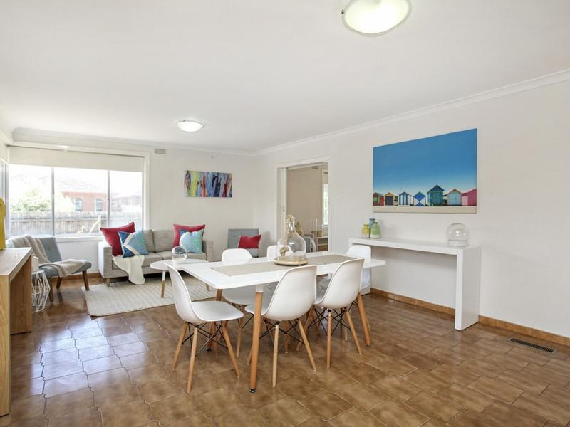 Home Staging Sunshine West Dining Room